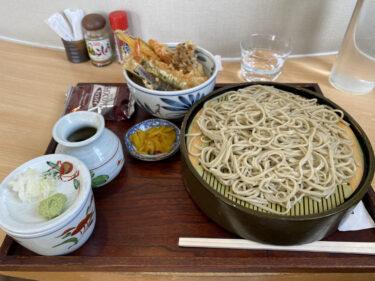 お昼は日本蕎麦